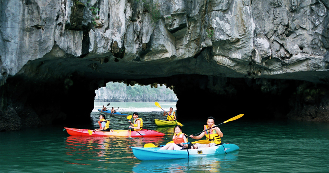 Tour thăm vịnh Hạ Long 1 ngày, 6-8 tiếng trên Vịnh
