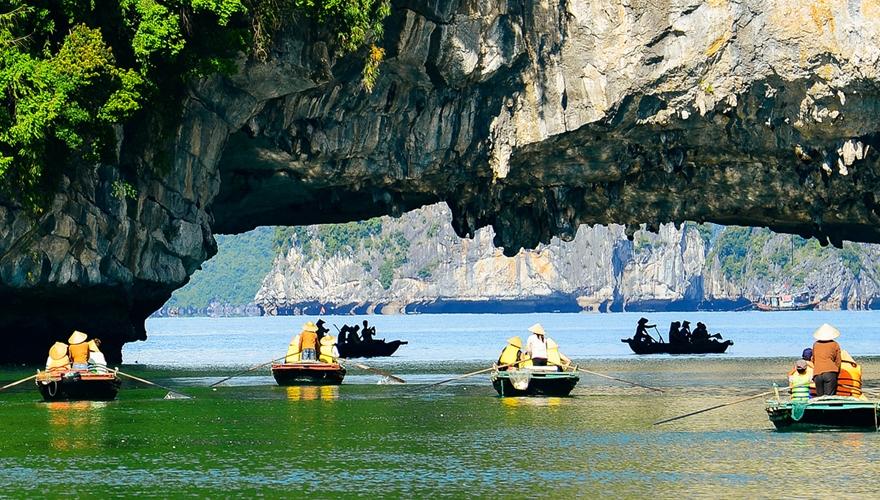 hang luồn, vịnh hạ long - saomaitourist