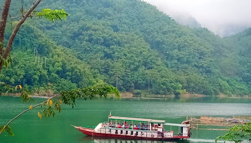 đi thuyền trên hồ sông đà - saomaitourist