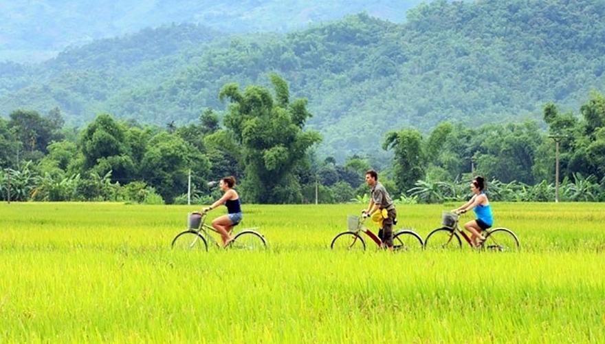 đạp xe thăm quan thung lũng mai châu - saomaitourist