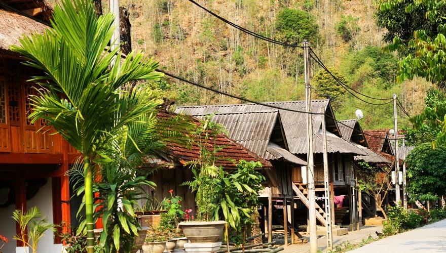 kiến trúc nhà sàn ở Bản Văn, Mai Châu