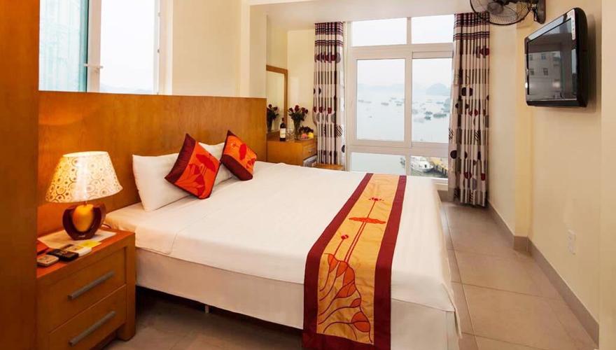 Khách sạn Việt Lotus Cát Bà